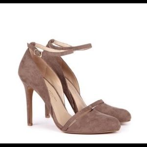 Taupe Sole Society Audra pumps
